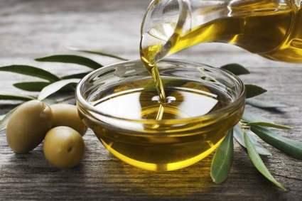 manfaat-minyak-zaitun-untuk-wajah-dan-kulit-tubuh-alodokter.jpg